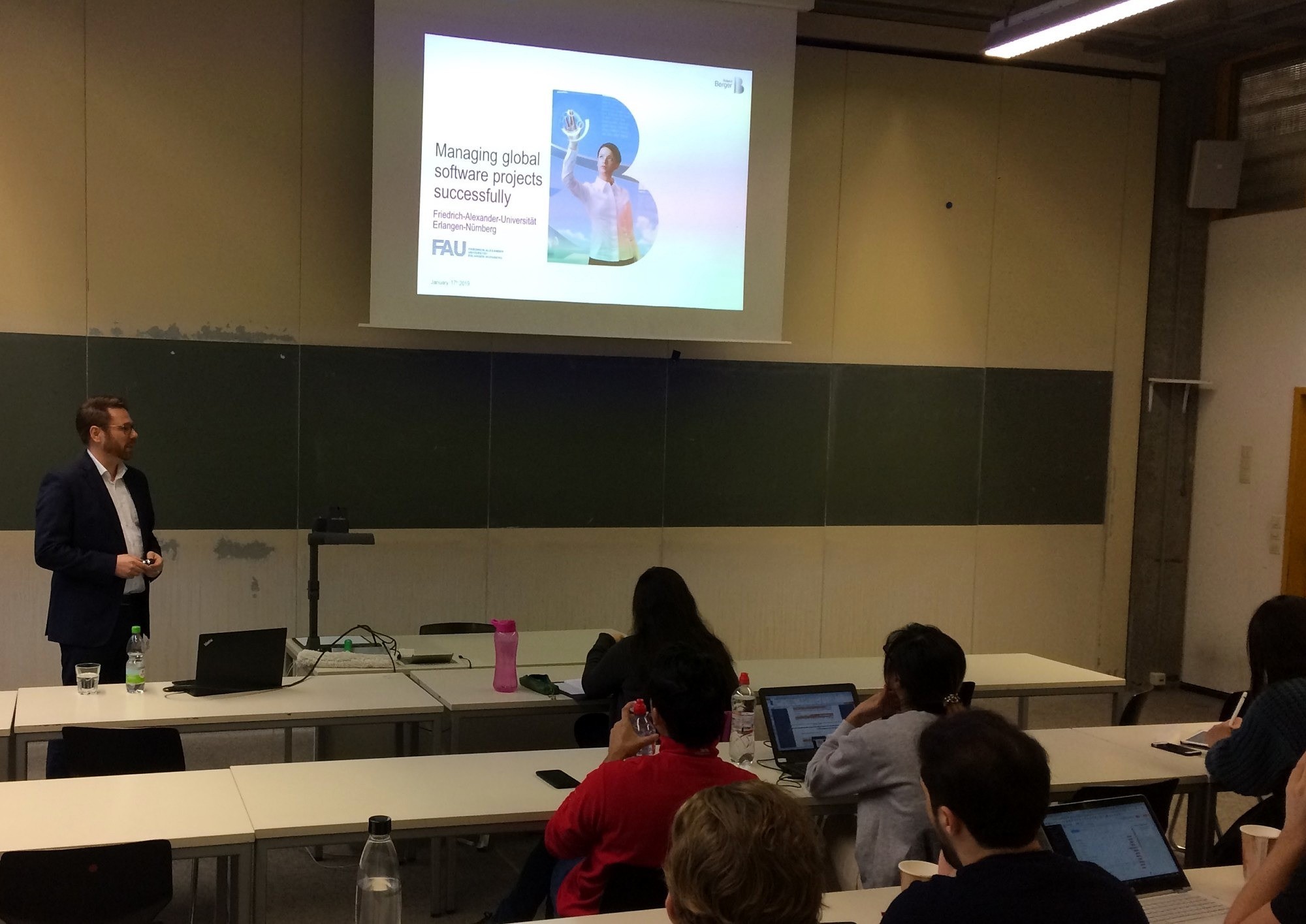 "Zum Artikel ""Insightful guest lecture on ""Managing global software projects successfully"""""